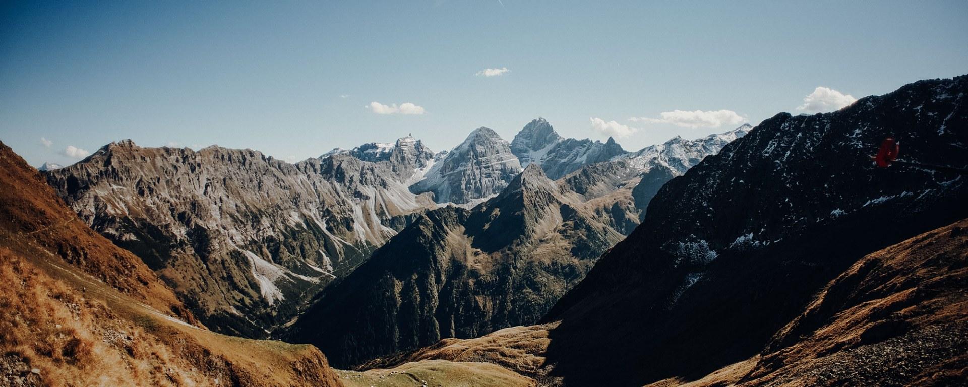 Herbstliche Berglandschaft in Tirol