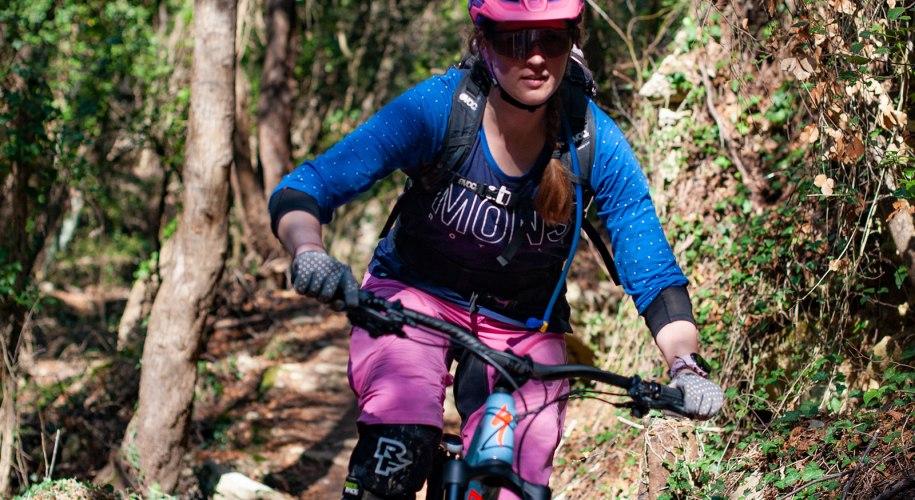 Lisa Amenda auf dem Mountainbike