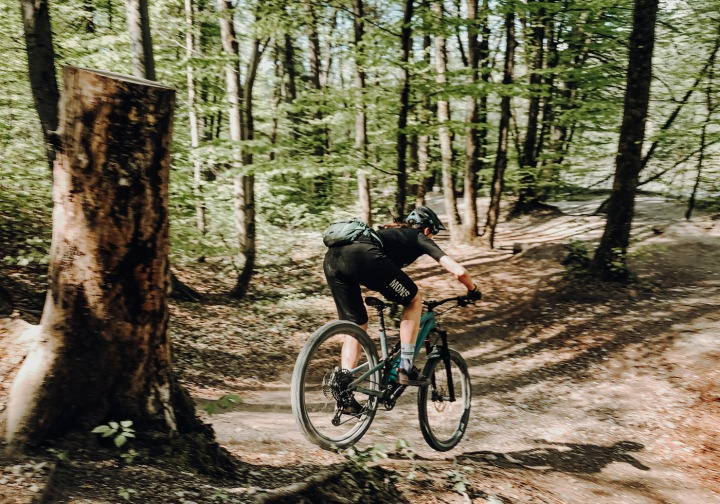 Isartrails Mountainbikerin